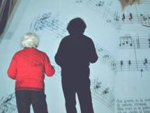 Conversaciones alrededor de un piano que vino de Europa - Queyi